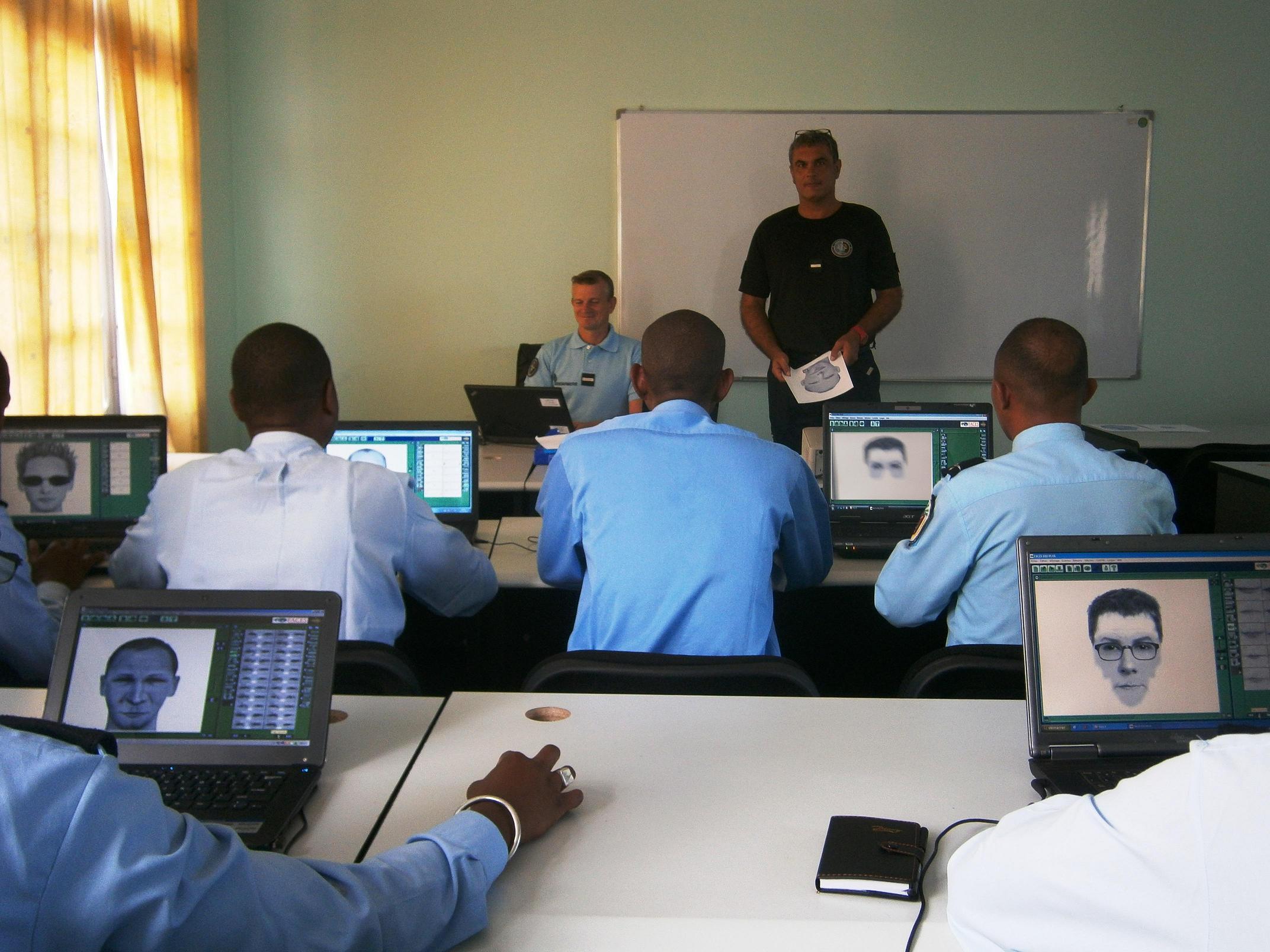 Formation au portrait robot pour la gendarmerie malgache for Chambre de commerce de madagascar