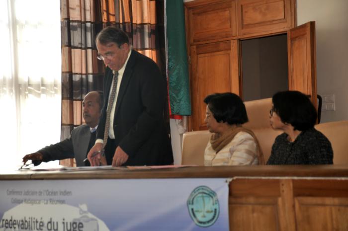 Conf rence judiciaire de l oc an indien colloque for Chambre de commerce de madagascar