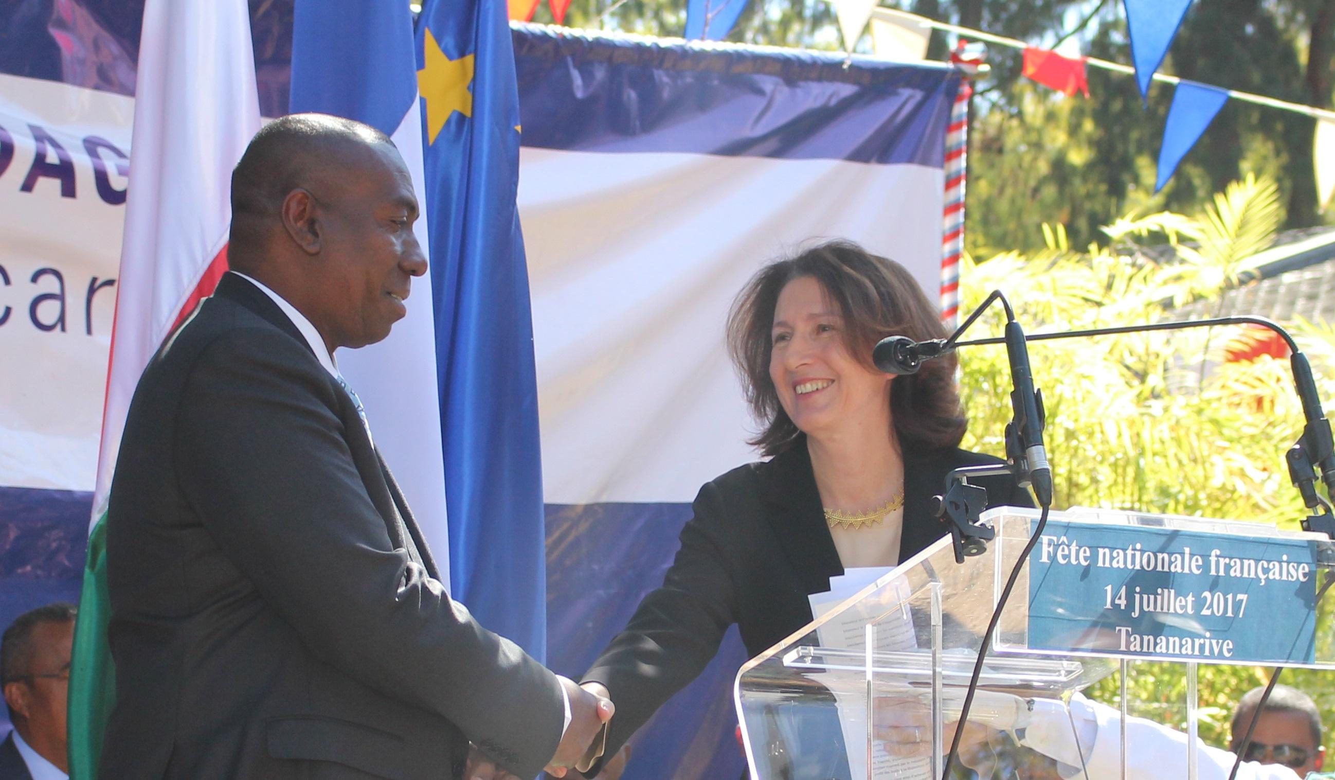 L amiti franco malgache c l br e l occasion de la f te for Chambre de commerce de madagascar